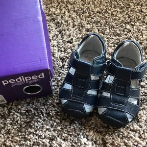 Pediped Grip n go navy shoe